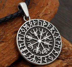 Manfaat Money Amulet — akan menarik kekayaan dan keberuntungan ke rumah Anda